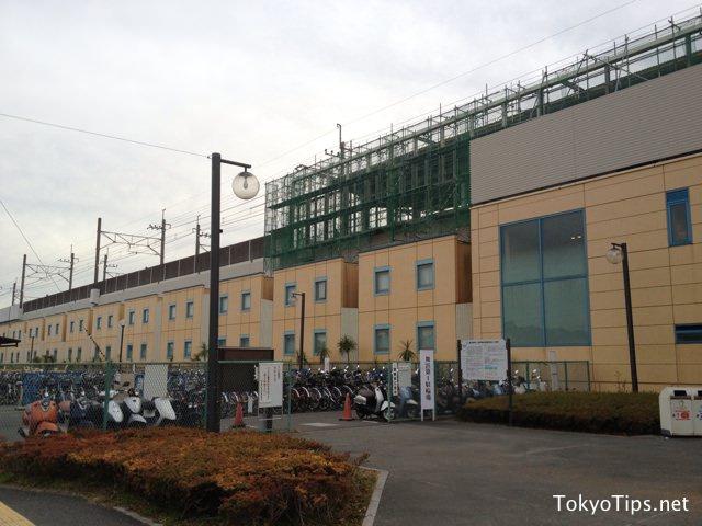 Hotel Dream Gate Maihama lies just below JR Keiyo Line.