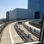 When Yurikamome makes a sharp turn, it slows down automatically.