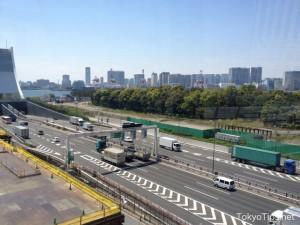 "This is ""Wangan Line"" of the Metropolitan Expressway."