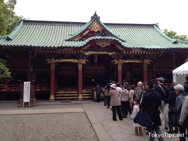 "This building name is ""Haiden"". It enshrine God here. People were in line to pray to God. Haiden is a national important cultural property of Japan."