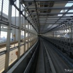 The upper side is Metropolitan Expressway Daiba Line.