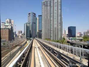 Yurikamome goes toward Shiodome area.